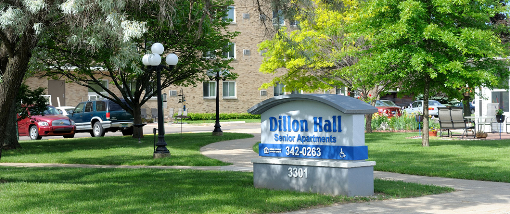 Dillon-Hall-retouched-home-page-1700